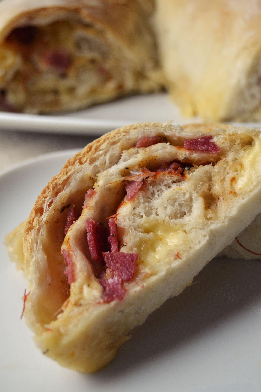 rolada z salami i żółtym serem (1)