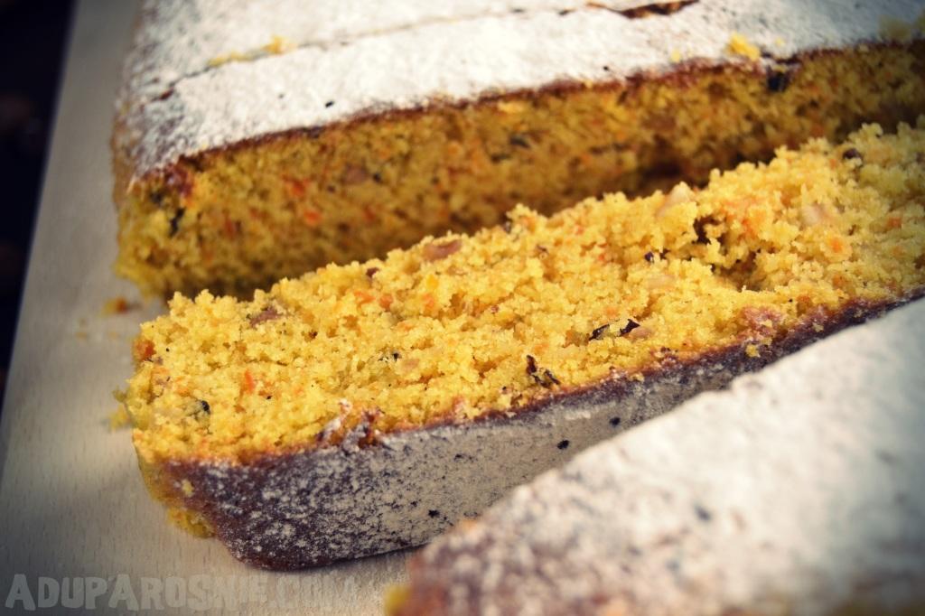 Ciasto marchewkowe z orzechami laskowymi (2)