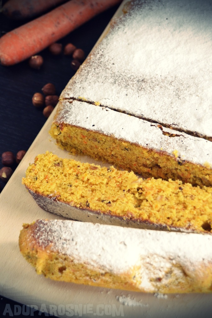 Ciasto marchewkowe z orzechami laskowymi (3)